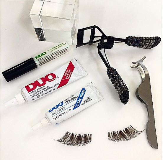 You can pick up the brush on Duo Adhesive for N1820 saving over N700. On the large adhesive you get to save over N900 with sales price of N2240. This offer is unbeatable